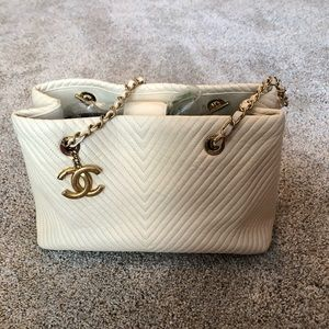 Chanel Surpique Lambskin Chevron Shoulder Tote